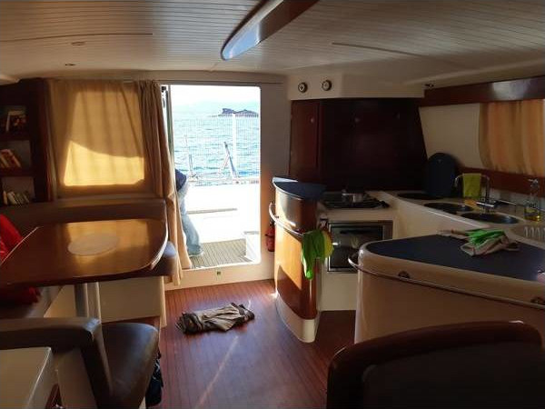 2003 Fountaine Pajot Maryland 37 int (8)