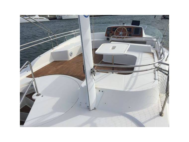 2004 Fountaine Pajot Cumberland 44 ext (2)