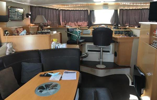 2012 Fountaine Pajot Summerland 40 int Grand Large (1)