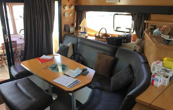 2012 Fountaine Pajot Summerland 40 int Grand Large (2)